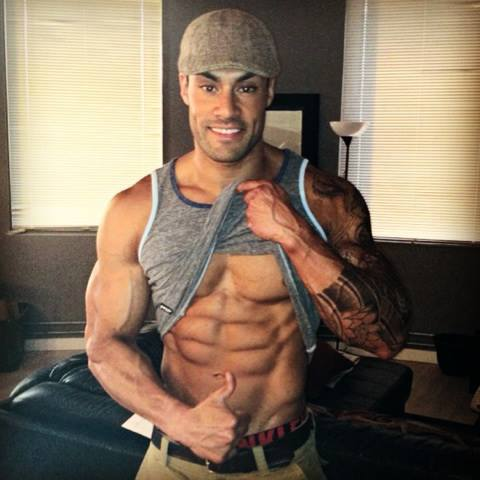Physique IFBB Pro: Sean Sapera talks with TheGymLifestyle