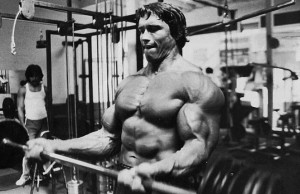 Arnold-Schwarzenegger training bodybuilding